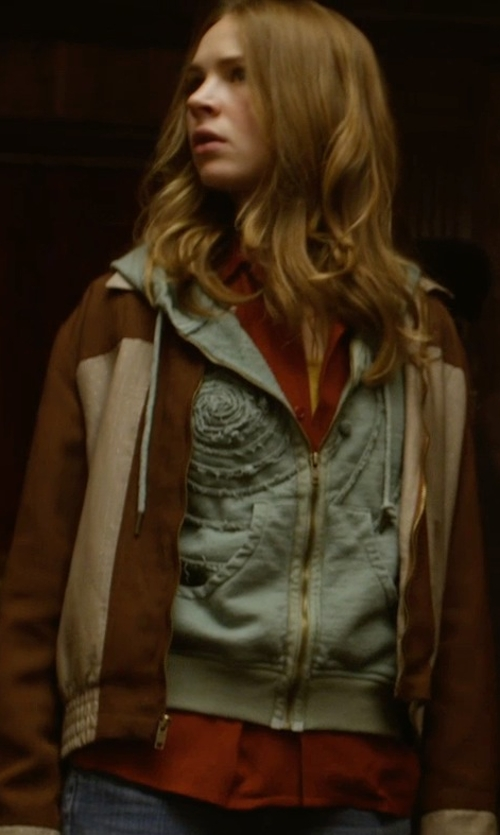 Britt Robertson with Nic+Zoe Modern Blouse in Tomorrowland