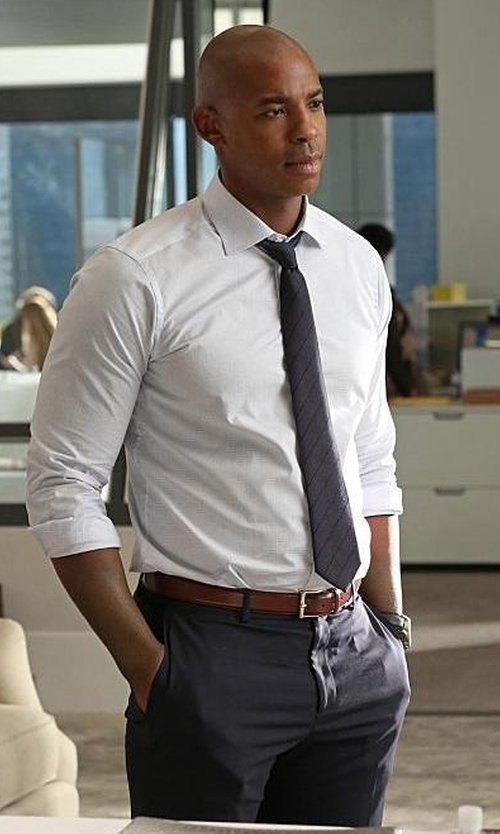 Mehcad Brooks with Incotex Benson Melange Wool Trousers in Supergirl