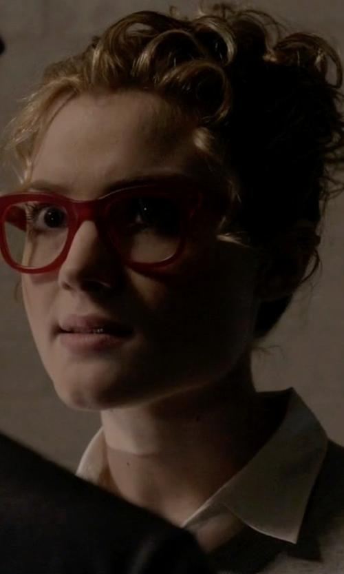Skyler Samuels with Krewe du Optic Charles II Matte Red Eyeglass in Scream Queens