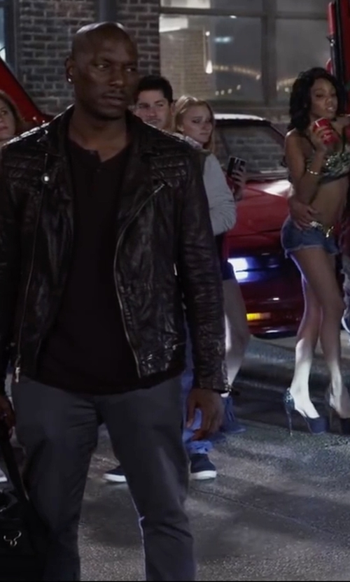 Tyrese Gibson with AG Graduate Sulfur Corduroy Pants in Ride Along 2