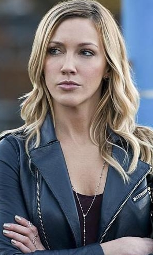 Katie Cassidy with Dogeared Long Y-Necklace in Arrow