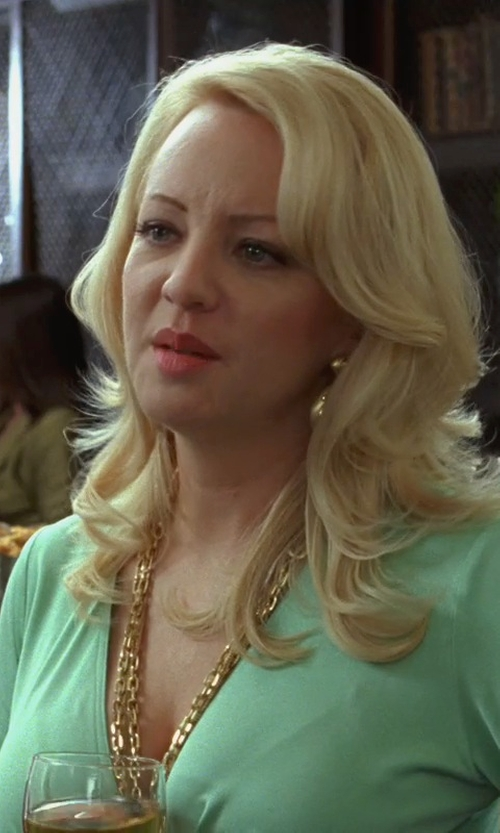 Wendi McLendon-Covey with Tuleste Long Multi-Strand Necklace in Bridesmaids