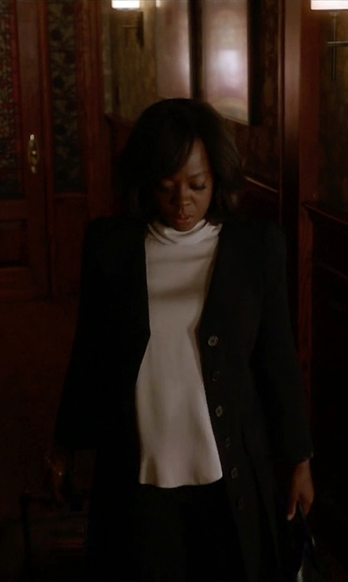 Viola Davis with Sealup Single-Breasted Coat in How To Get Away With Murder
