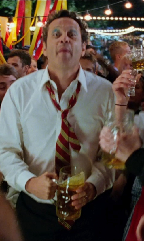 Vince Vaughn with Hofbrauhaus Dimple German Beer Mug in Unfinished Business