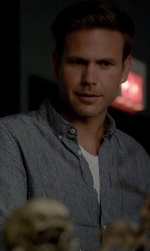 Matthew Davis with Club Monaco Slim-Fit Chambray Dot Shirt in The Vampire Diaries
