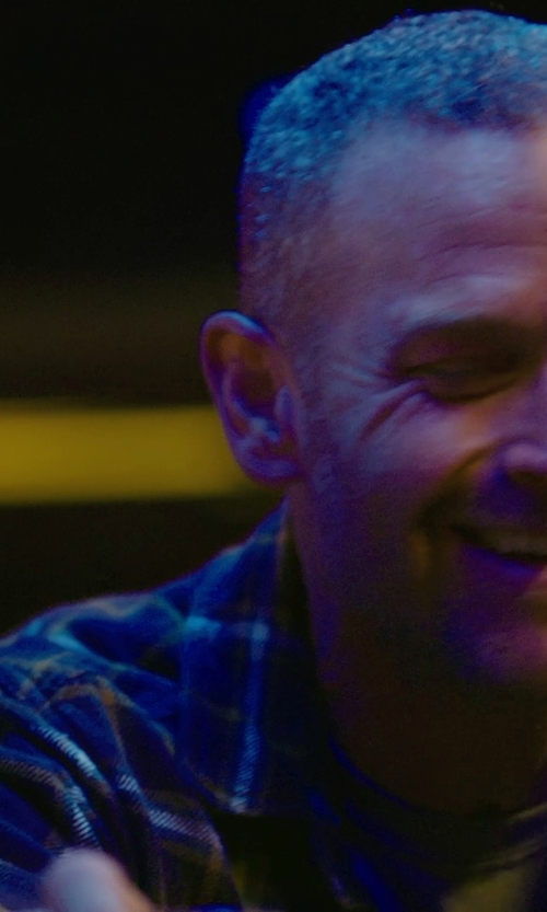 Max Martini with WALLACE & BARNES HEAVYWEIGHT FLANNEL SHIRT IN BLUE HAZE PLAID in Sabotage