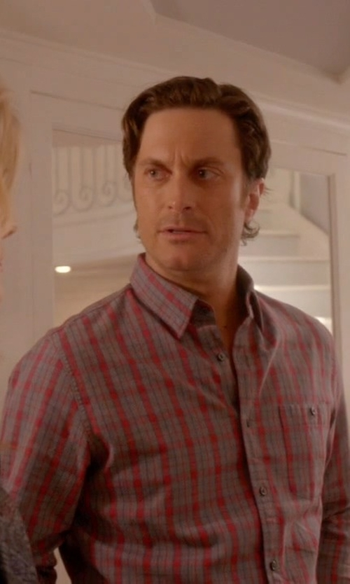 Oliver Hudson with Milano Fit Saxxon Wool Plaid Sport Shirt in Scream Queens