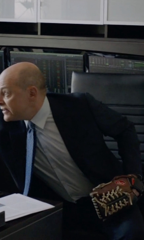 Rob Corddry with Rawlings GG Elite Series Glove in Ballers