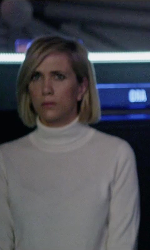 Kristen Wiig with Not Shy Turtle Neck Sweater in The Martian