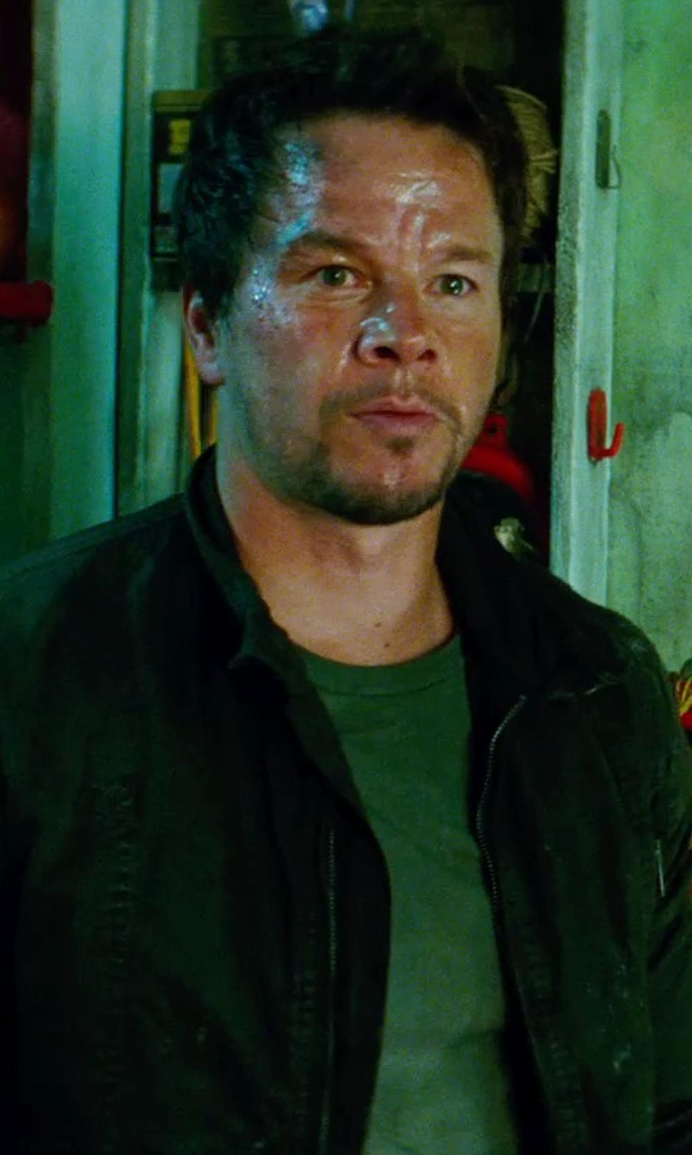 Mark Wahlberg with JAMES PERSE SHORT SLEEVE CREW NECK in Transformers: Age of Extinction