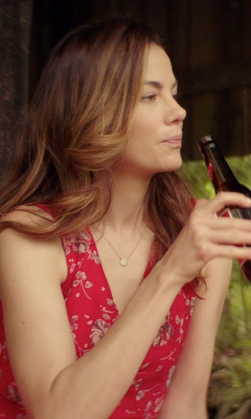 Michelle Monaghan with Budweiser Beer in The Best of Me