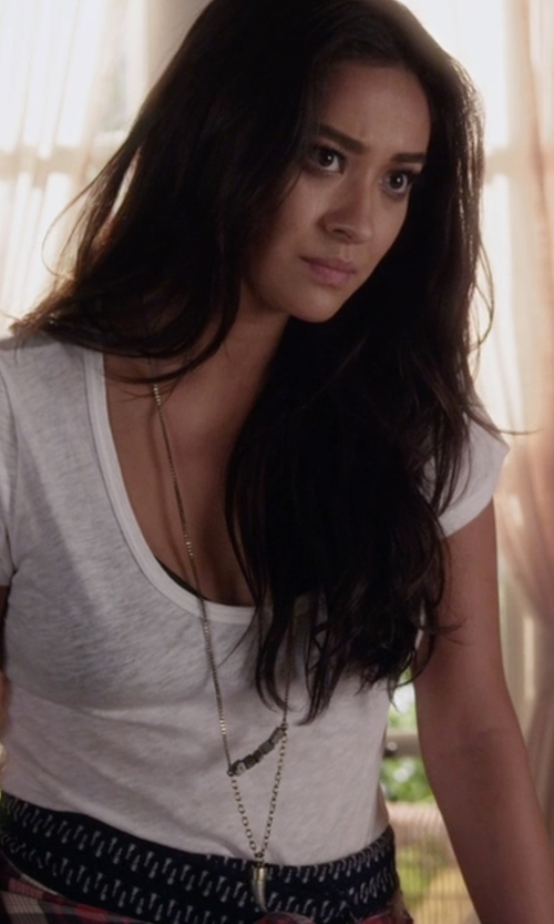 Shay Mitchell with Urban Outfitters Crosstown Necklace in Pretty Little Liars