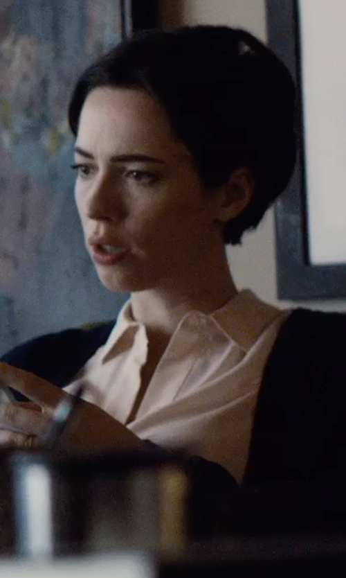 Rebecca Hall with Equipment Slim Signature Blouse in The Gift