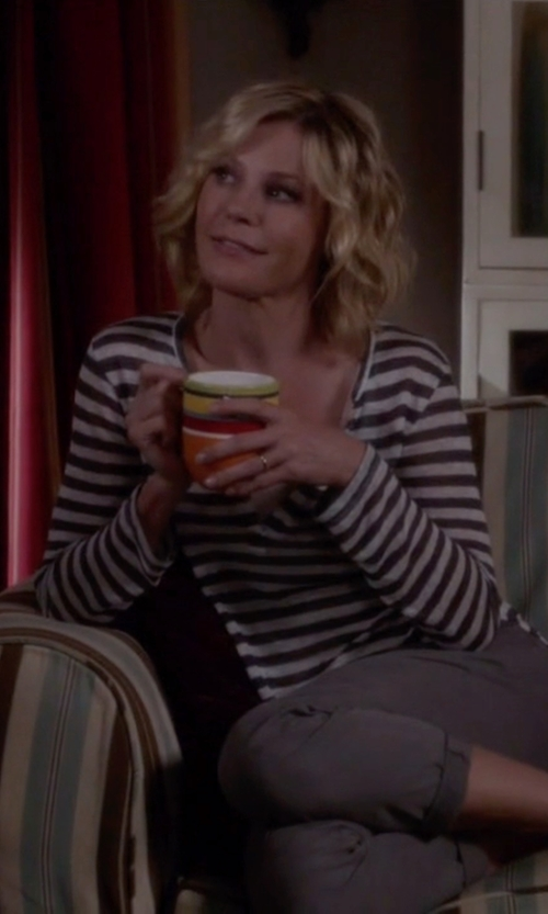 Julie Bowen with Isabel Marant Etoile Karon Striped Long Sleeve T-Shirt in Modern Family