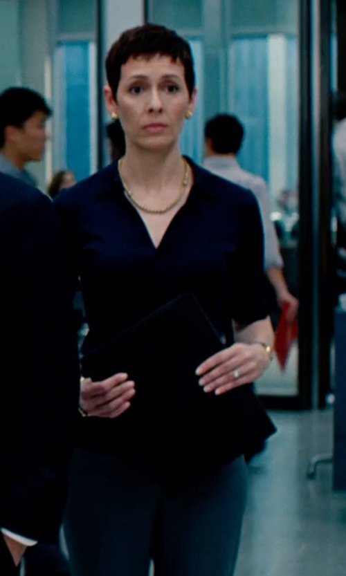 Unknown Actor with GB Solid Woven Blouse in The Secret Life of Walter Mitty