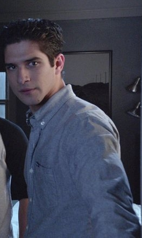 Tyler Posey with Vineyard Vines Lobsterville Tucker Chambray Sport Shirt in Teen Wolf