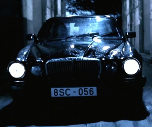 Kate Beckinsale with Jaguar 1980 XJ6 Sedan in Underworld