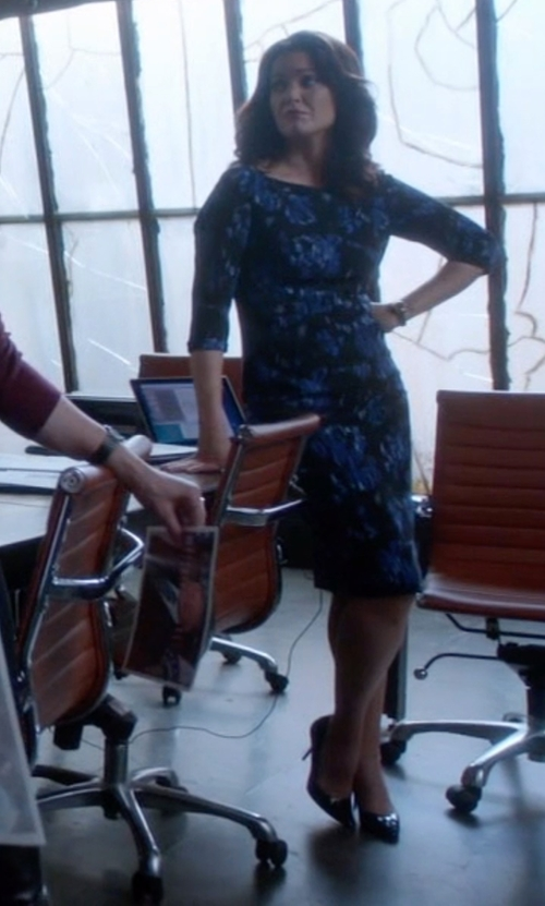Bellamy Young with Ralph Lauren Armissa Calfskin Pumps in Scandal
