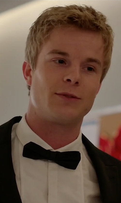 Graham Rogers with Ermenegildo Zegna Textured Formal Bow Tie in Quantico