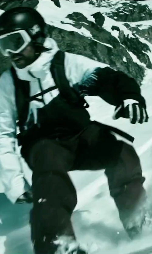 Clemens Schick with Oakley Factory Winter Gloves in Point Break