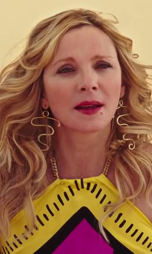 Kim Cattrall with Wendy Brandes Cleopatra Earrings in Sex and the City 2