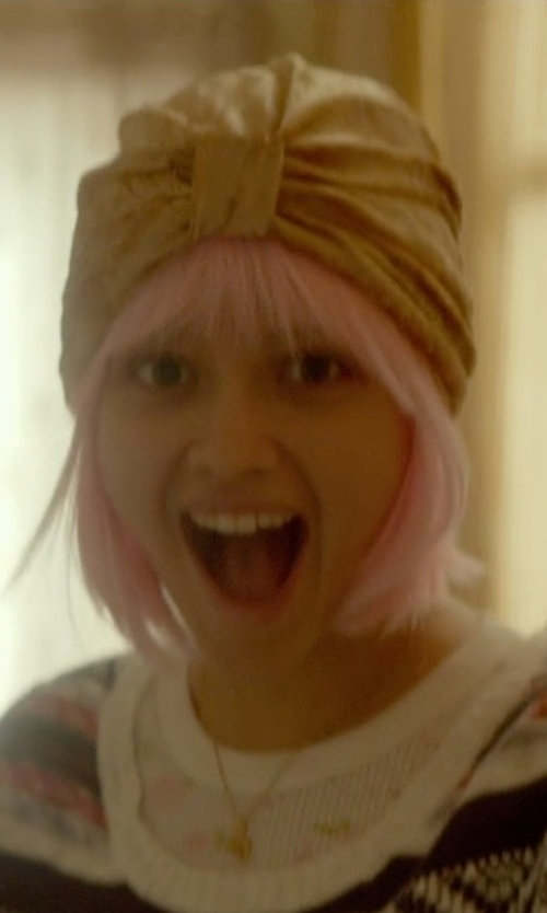 Olivia Cooke with S Cloth Gold Turban Hats in Me and Earl and the Dying Girl