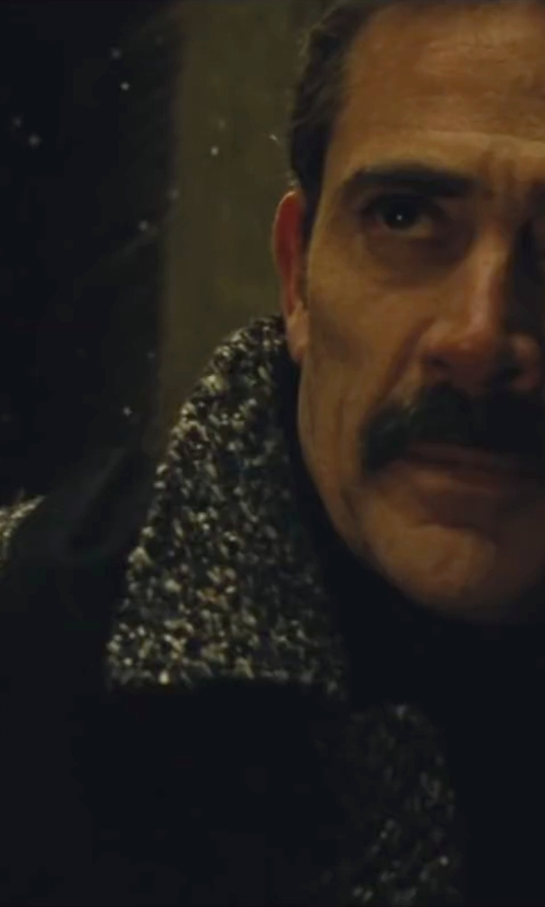 Jeffrey Dean Morgan with London Fog Coventry Check Wool-Blend Overcoat in Batman v Superman: Dawn of Justice