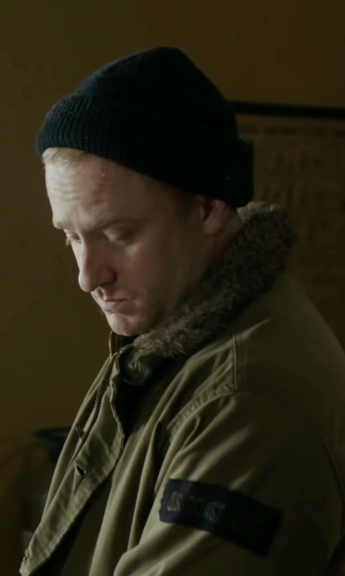 Ben Foster with Chaos Stocking Cap Beanie in The Finest Hours