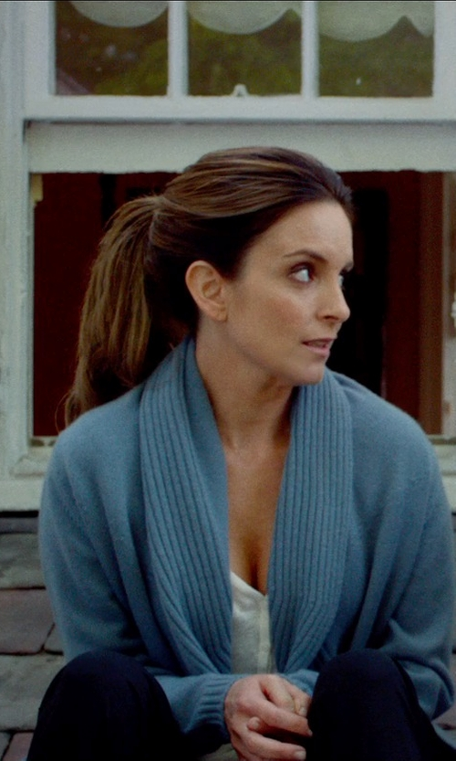 Tina Fey with Cullen Cable-Knit Open Front Cardigan in This Is Where I Leave You