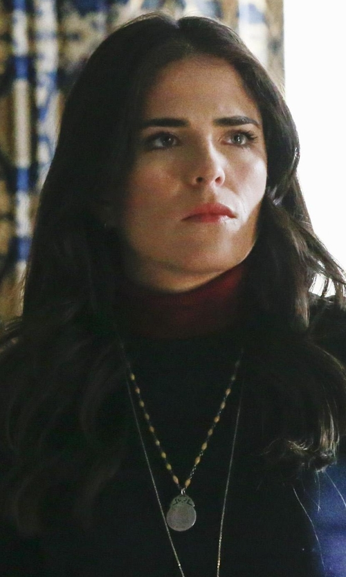 Karla Souza with Anna Beck Medallion Necklace in How To Get Away With Murder