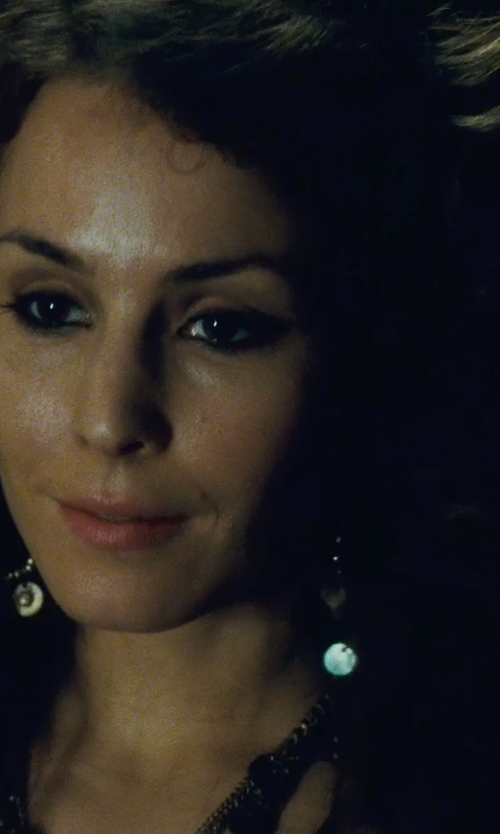 Noomi Rapace with Anna Beck Designs Gili Mini Chandelier Gold-Plated Earrings in Sherlock Holmes: A Game of Shadows