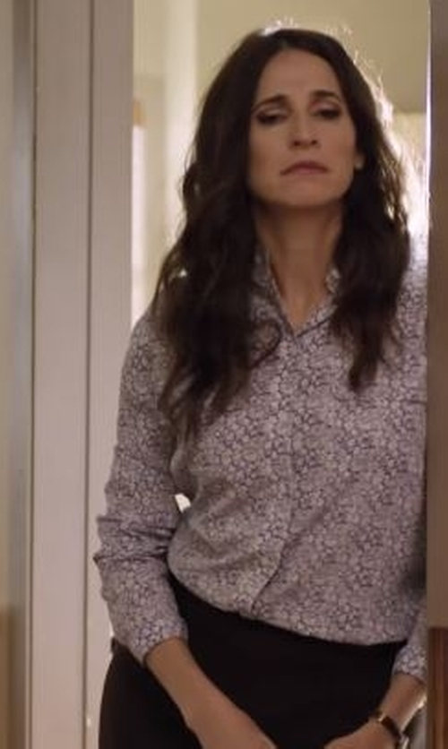 Michaela Watkins with Zanetti 1965 Paisley Print Shirt in Casual