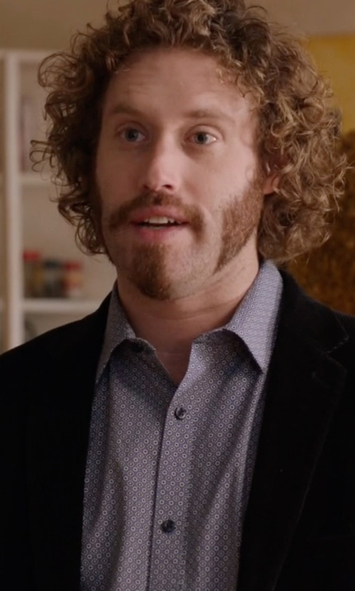 T.J. Miller with Tallia Textured Velvet Solid Sport Coat in Silicon Valley