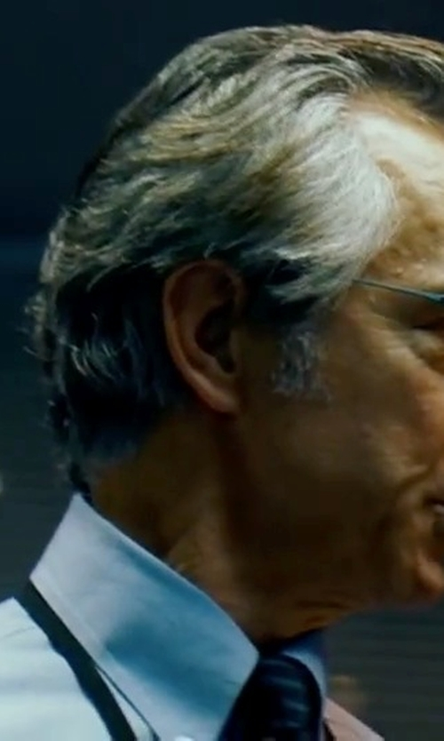 David Strathairn with Ermenegildo Zegna Striped Print Silk Tie in The Bourne Ultimatum