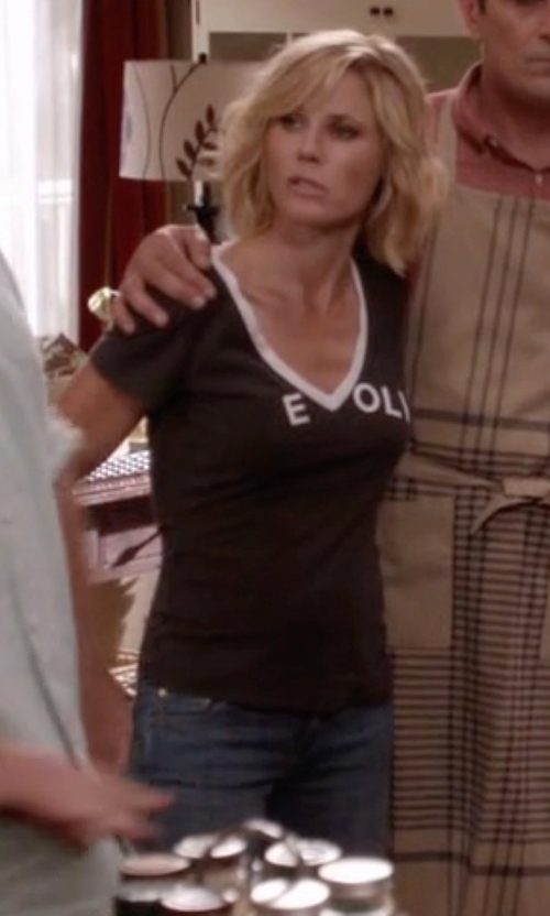 Julie Bowen with Lucky Brand Lolita Skinny Jeans in Modern Family