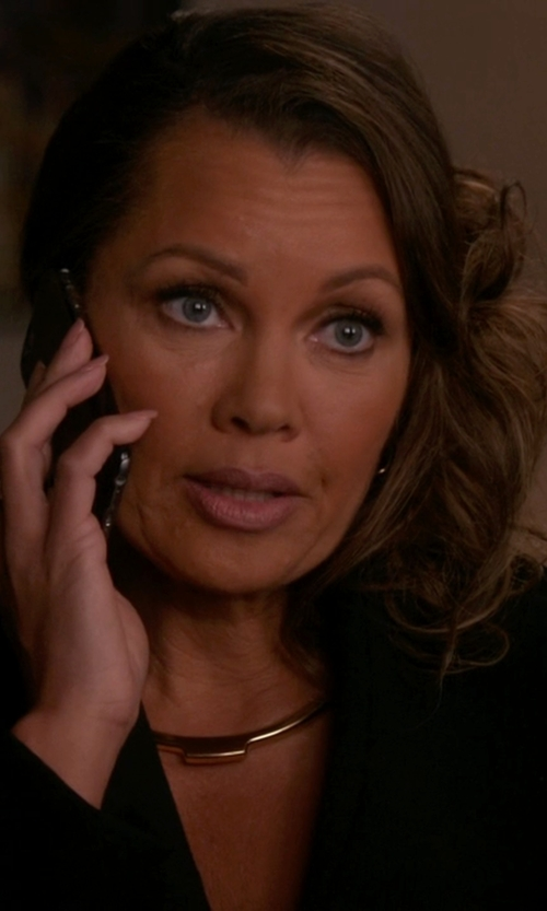 Vanessa Williams with J. Crew W. Britt  Bar Collar Necklace in The Good Wife