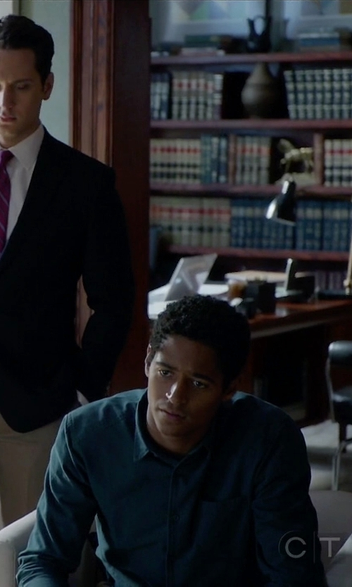 Alfred Enoch with Bonobos Slim Fit Oxford Long Sleeve Sport Shirt in How To Get Away With Murder