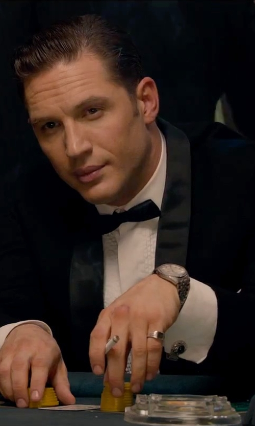 Tom Hardy with David Yurman DY Logo Small Signet Ring in Legend