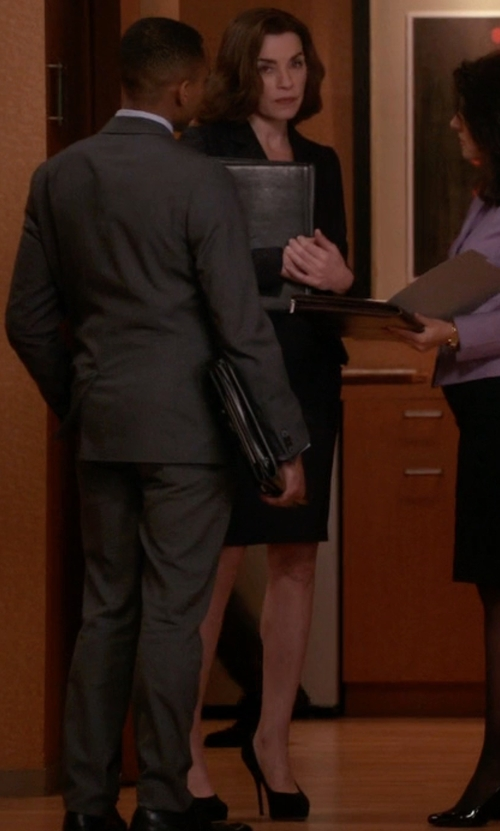 Julianna Margulies with Charles David Lilli Platform Pumps in The Good Wife