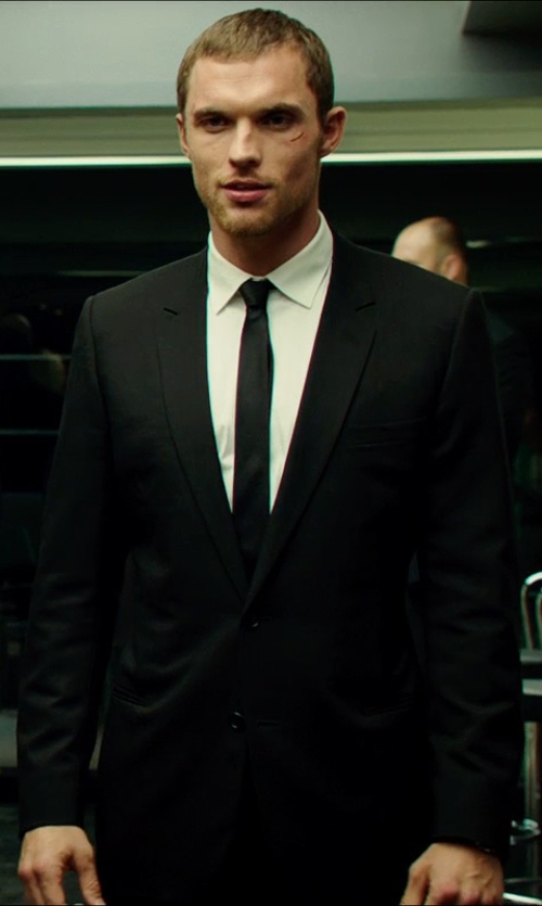Ed Skrein with Isaia Aquaspider Base S Two-Button Suit in The Transporter: Refueled