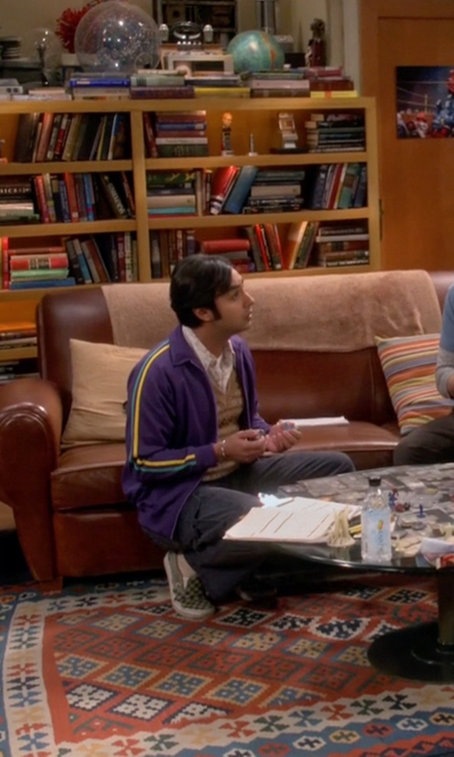Kunal Nayyar with Vans Classic Slip-On Checkerboard Sneakers in The Big Bang Theory
