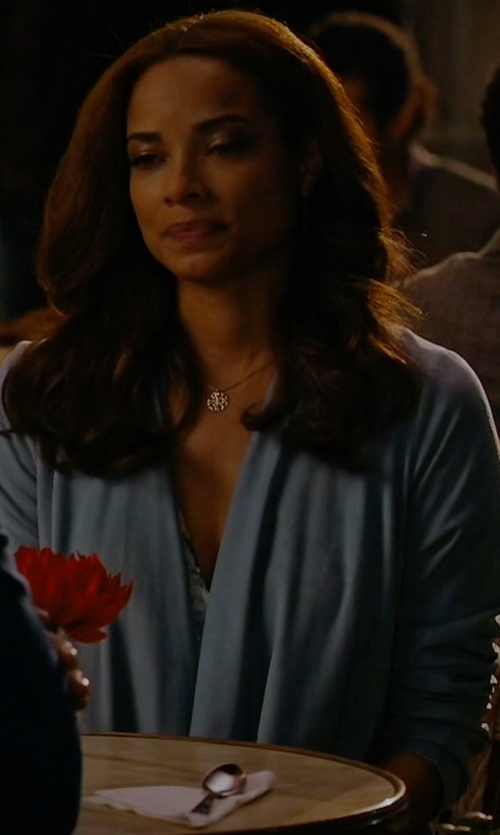 Rochelle Aytes with Eileen Fisher Linen-Blend Shaped Cardigan in Mistresses