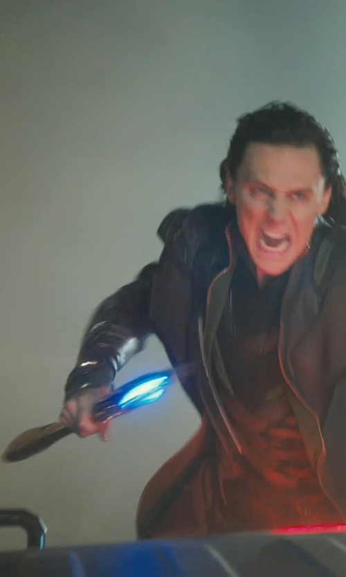 Tom Hiddleston with Fabian Lacey (Concept Artist) Chitauri Scepter in Marvel's The Avengers