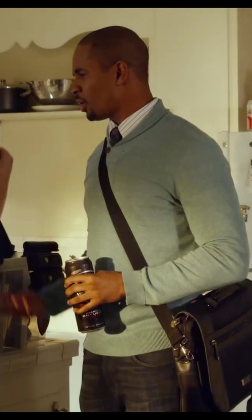 Damon Wayans Jr. with Robert Graham Satin Stripe Dress Shirt in Let's Be Cops