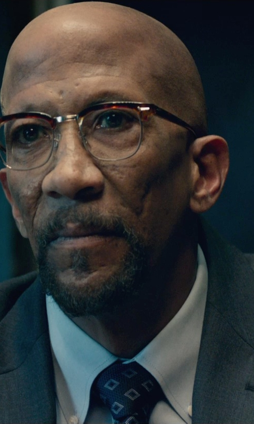 Reg E. Cathey with Thomas Pink Craig Plain Classic Fit Button Cuff Shirt in Fantastic Four