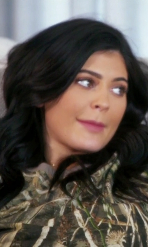 Kylie Jenner with Current/Elliott The Crewneck Camo T-Shirt in Keeping Up With The Kardashians