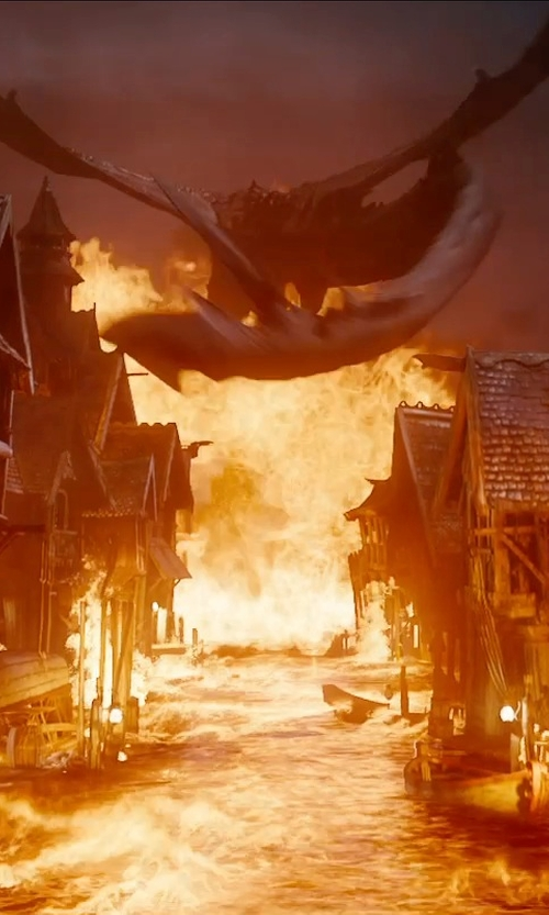 Benedict Cumberbatch with Weta Workshop & Weta Digital Smaug in The Hobbit: The Battle of The Five Armies