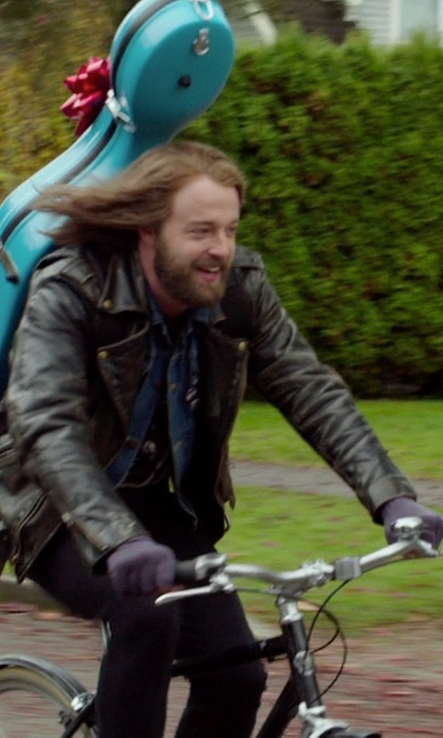 Joshua Leonard with Myths Casual Pants in If I Stay