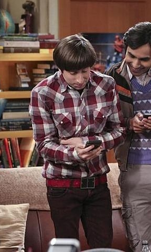 Simon Helberg with Urban Outfitters Salt Valley New Texas Plaid Western Shirt in The Big Bang Theory
