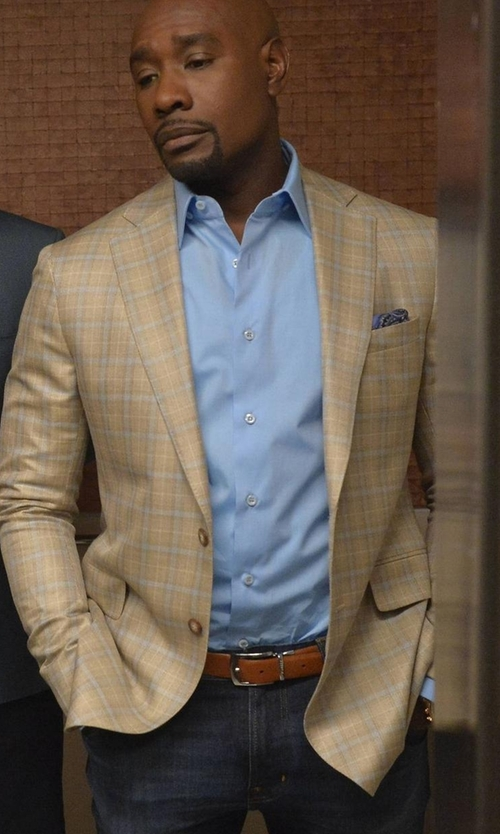 Morris Chestnut with Armani Collezioni Five-Pocket Medium-Wash Denim Jeans in Rosewood